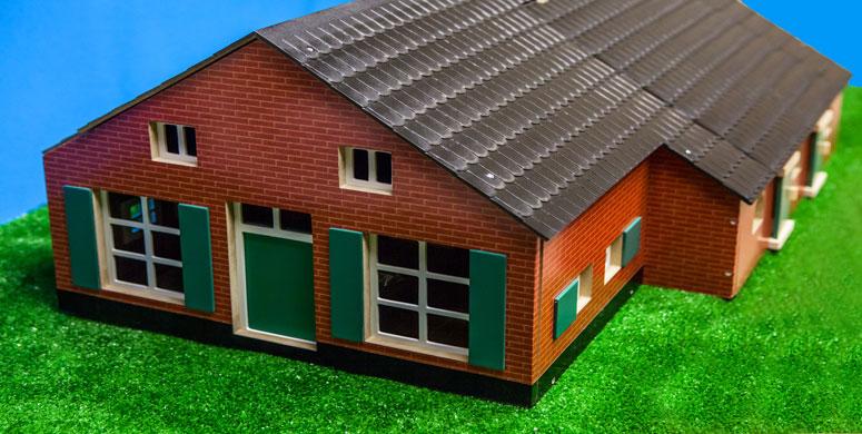 houten woonhuis met boerderij