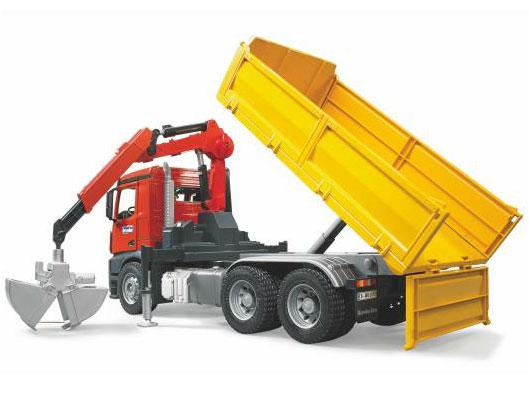Speelgoed vrachtwagens en miniaturen van mercedes for Vrachtwagen kipper met kraan