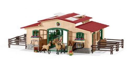 Schleich paardenstal met paarden en accessoires (schaal 1:24)