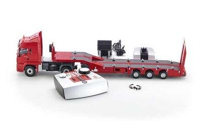 bestuurbare vrachtwagen met dieplader