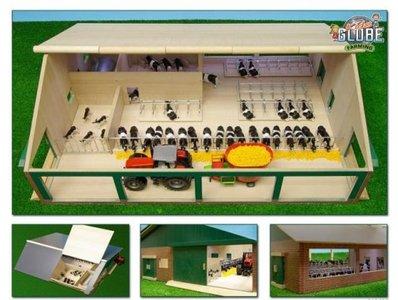 houten speelgoedstal met melkstal