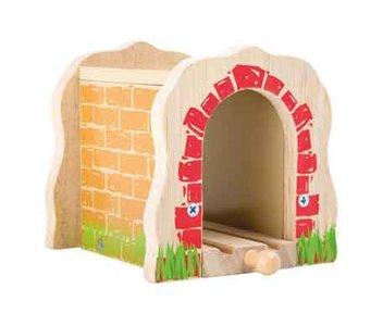 houten treinspoor tunnel
